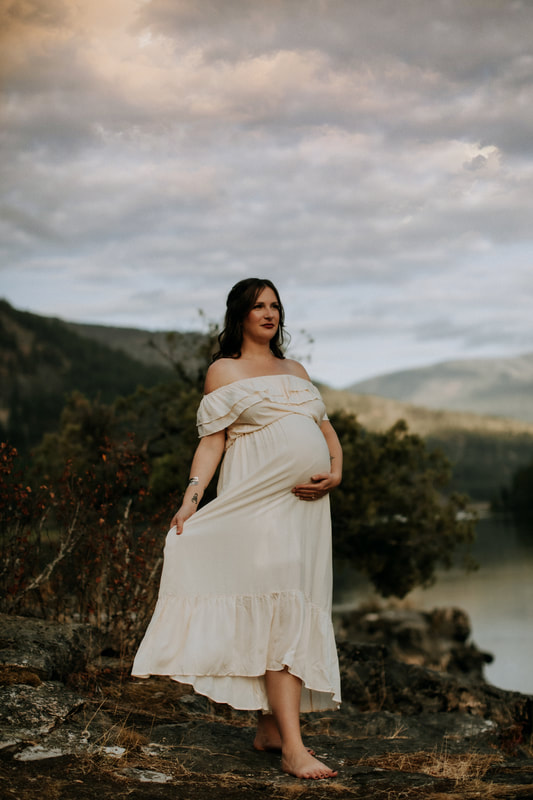 Nelson BC Maternity Photographer
